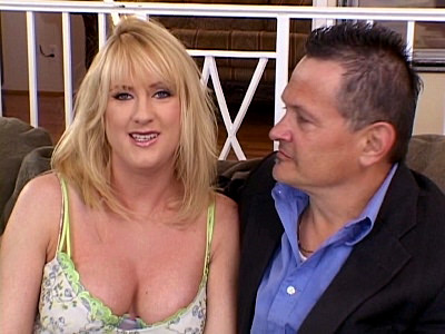 Sexy Wife Beth Gets a Filthy Treat