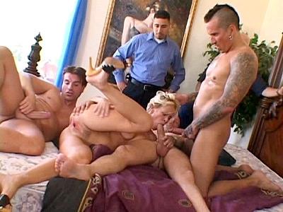 Sexy Wife Threesome Banging
